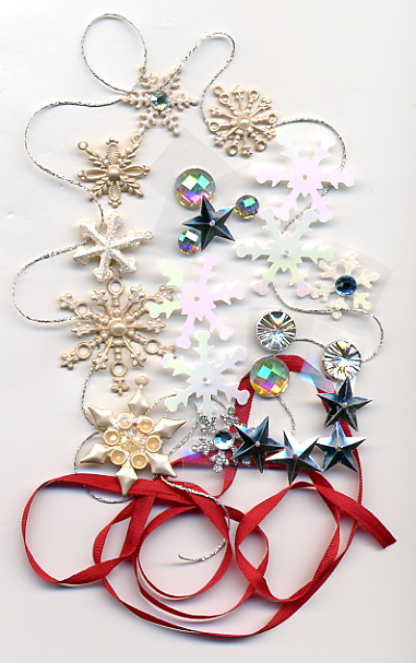 Embellishments included with Cardinal Wreath